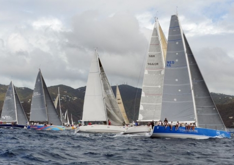Racing fleet on the SOL Course
